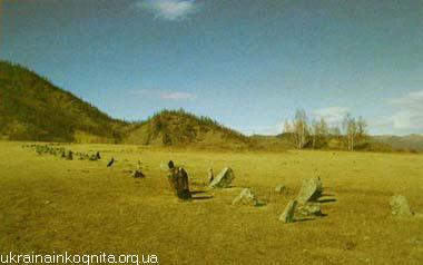 Каменные балбалы у Царского кургана. Урочище Башадар