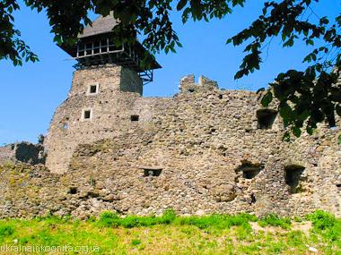 Башня-донжон замка в Невицком  на Закарпатье