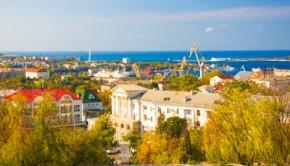 Восточная часть бухты в Севастополе