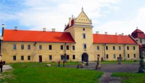 Северо - восточный фасад замка в Жолкве